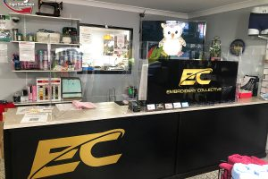 COVID-19-screen-installation-at-Embroidery-Collective-Moranbah-ezy-sign-solutions